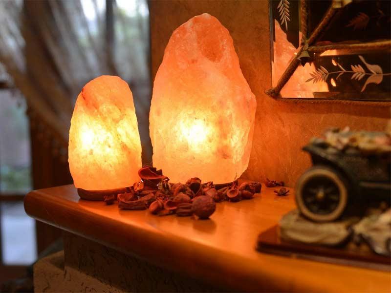 lamparas-sal-himalaya para crear un ambiente limpio dentro de casa